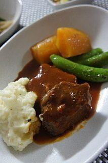 肉じゃが - ストウブ鍋って知ってる?料理人が愛する実力派、ひとつは欲しい! (3ページ目)|CAFY [カフィ]
