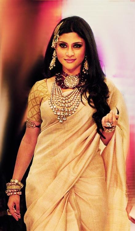 #konkona #pretty #saree #bollywood