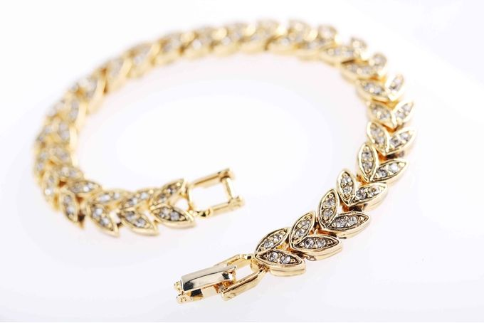 Br007 vintage gold bracelet - made with Swarovski elements crystal by Civetta Spark on http://hellopretty.co.za