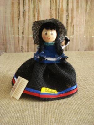guambiana muñeca madera,yute,lana muñequeria contry