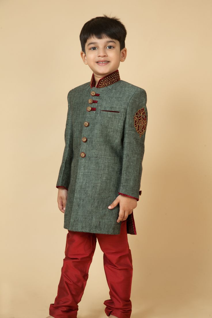 Linen sherwani with moti and stone work. Item number KB15-28