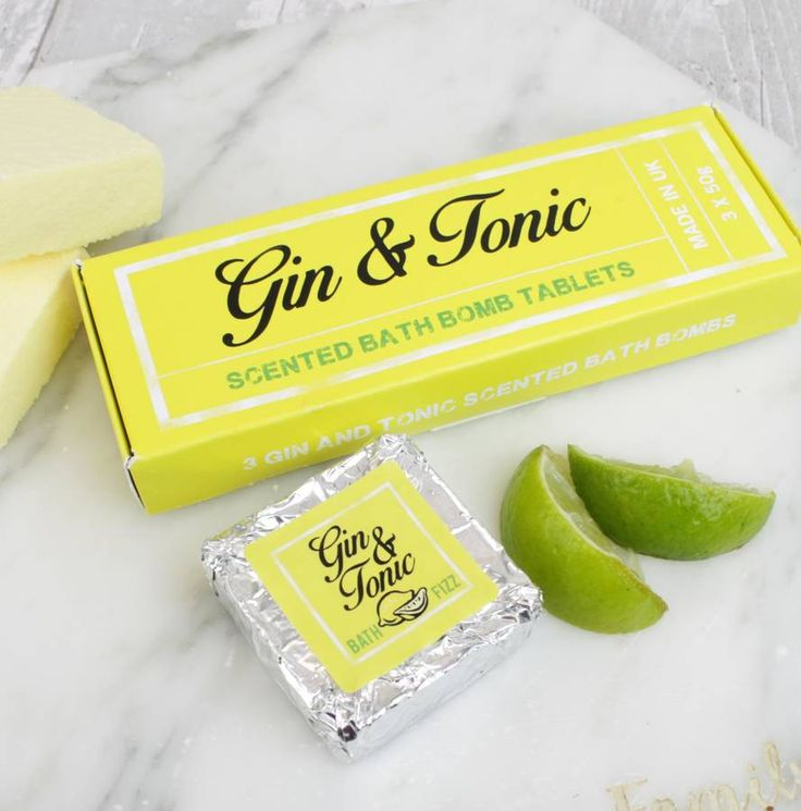 When life hands you lemons......reach for a Gin & Tonic!We also offer this product in our popular Prosecco and Strawberry scent. THIS PRODUCT FITS THROUGH A STANDARD LETTERBOX  A pack of 3 fabulously packaged fizzing bath bomb tablets in their own gift box, it makes a fantastic gift for birthdays and Christmas. Relax and unwind in a bath, drop one or two of these into the water and see them fizz, the bath is now scented with Lemon, Lime and Juniper....just like a Gin & Tonic. Each ta...