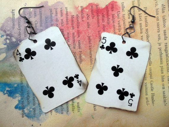 * Showy, but light, playing card earrings.  * Made of miniatyre playing cards.  * Unique, only one pair available. Ever.  * Dimensios: 6cm x 4,5 cm / 2,3 x 1,7 inches  Shipping included in the price.