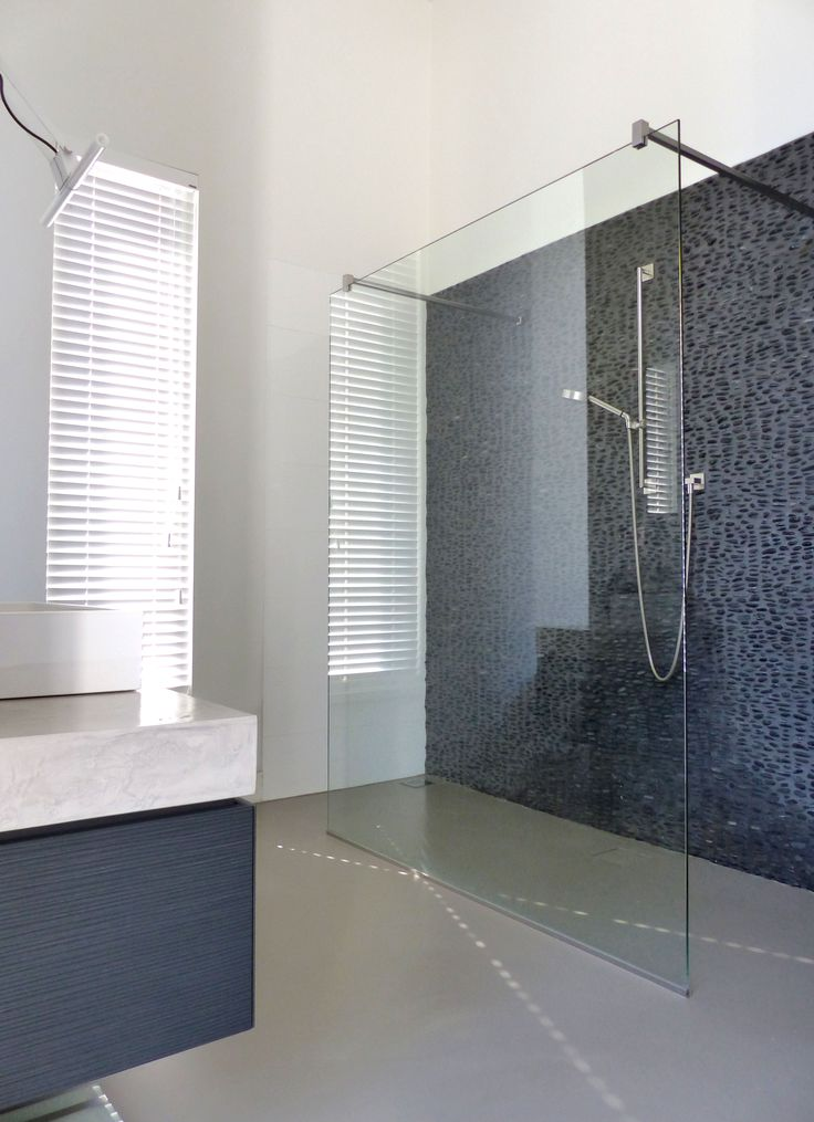 Beautiful Bathroom Cast Floor Great Wall With Natural