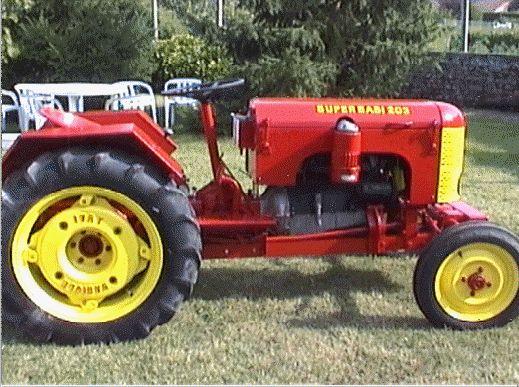 l 39 ancien tracteur de la ferme tracteur machine agricole motoculteur motobineuse. Black Bedroom Furniture Sets. Home Design Ideas