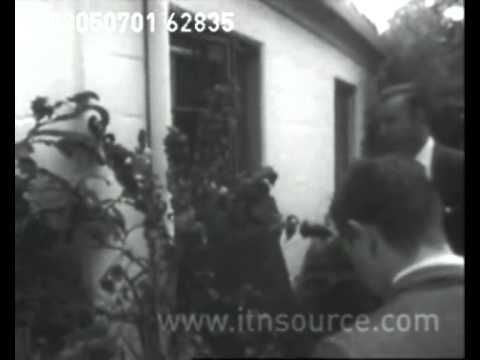 Marilyn Monroe - Scene at Marilyn's house after her death