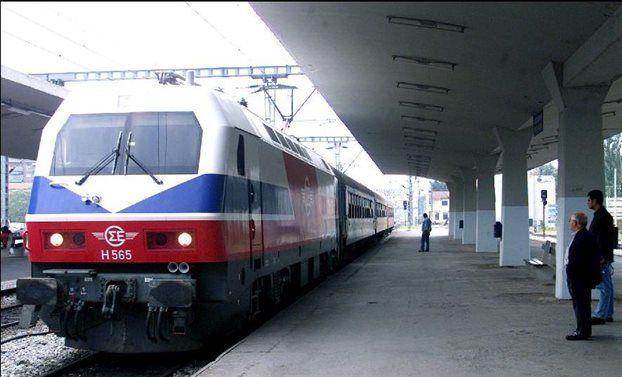 ΕΛΛΗΝΙΚΗ ΔΡΑΣΗ: 28/06/2017 - 10:59 ΚΟΙΝΩΝΙΑ Βοιωτία: Τρένο παρέσυρ...