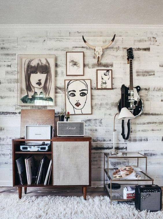 un joli meuble r tro pour pr senter une collection de vinyls et son tourne disque d co salon. Black Bedroom Furniture Sets. Home Design Ideas