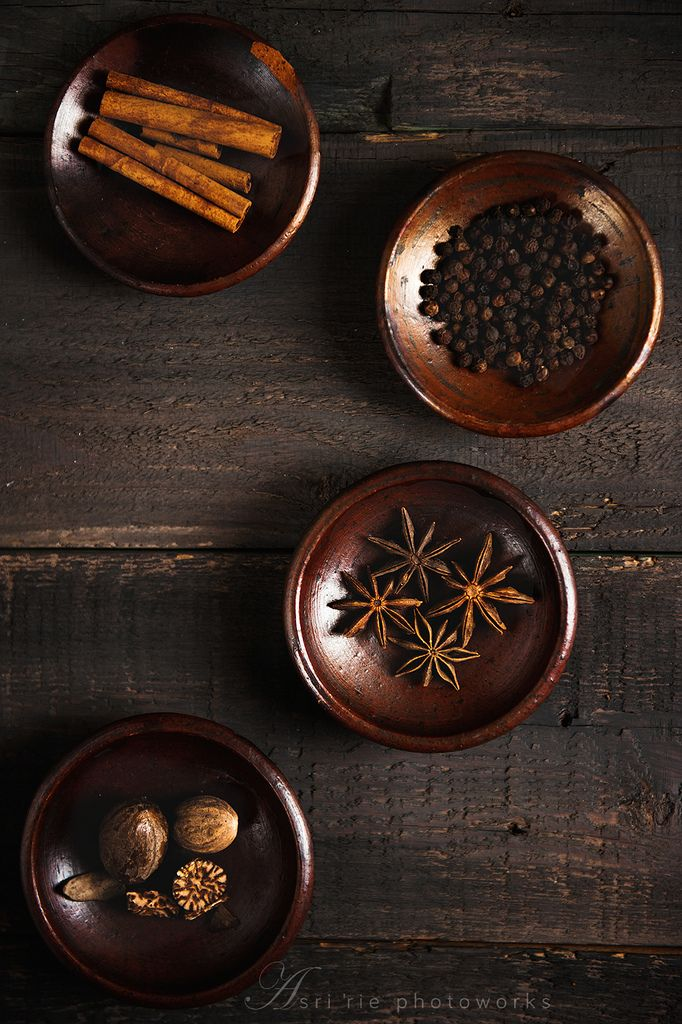 https://flic.kr/p/efJLAf | spices | cinnamon stick, black paper, star anise and nutmeg