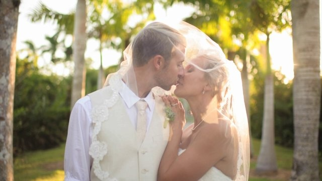 Elizabeth & Scott fotovideo - Naples Zoo by Karl Rouwhorst with Luminaire Foto. stop motion video at the Naples Zoo