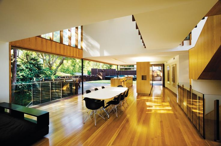 Highgate Hill Residence in Brisbane by Richard Kirk Architect