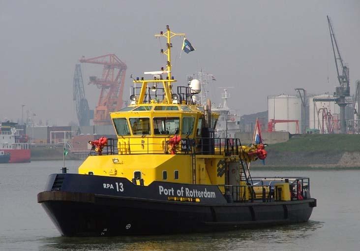 Surveillance of the Rotterdam Port Authority at Welplaat, Botlek