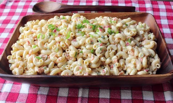 RECETTE DE CHEF ! Si vous désirez servir une salade de macaroni, pensez à faire l'essai de cette recette. Préparée par un chef qui nous dévoile quelques secrets, elle se veut la meilleure d'entre toutes. Mélangez 1 tasse (250ml) de mayonnaise, 2 c. à soupe de moutarde de Dijon, ¼ tasse (60ml) de vinaigre blanc, …