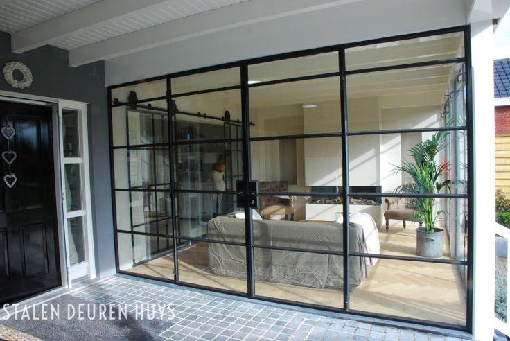 Authentieke buitenpui met dubbele deuren, Project Showroom