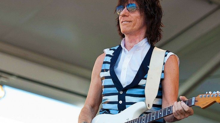 """Jeff Beck Drops New Hendrix-Inspired Song, """"Scared For The Children"""" – Hear It Now!"""