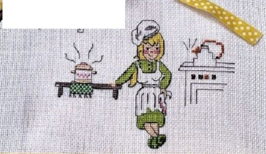 0 point de croix femme ds sa cuisine - cross stitch girl in her kitchen