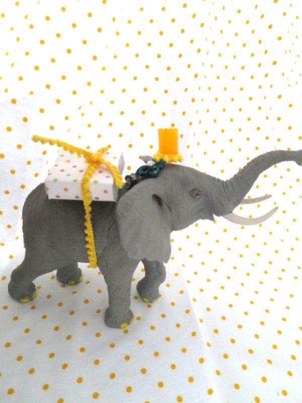 #zoo #animals http://fabgabblog.com/2015/03/fab-fete-party-animal-themed-2nd-birthday/