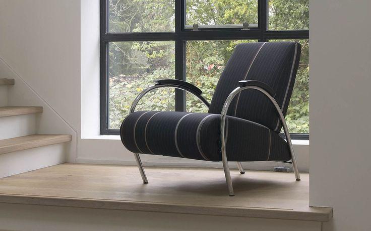 De 5770 van #Gelderland is een elegante #fauteuil en een echte designklassieker. Kenmerkend zijn de fraaie gebogen armleuningen. De Gelderland 5770 biedt een prettige, ontspannen zit. #GilsingWonen #design #wooninspiratie