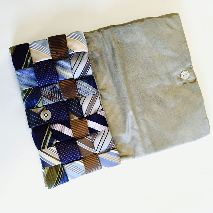 kopertówka - mała torebeczka do wieczorowej sukienki - uszyta z krawatów. Upcycling.