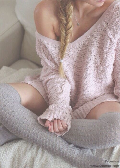 Pink Sweater | Long Grey Knee Socks | Pijama | Fall | Spring | Winter