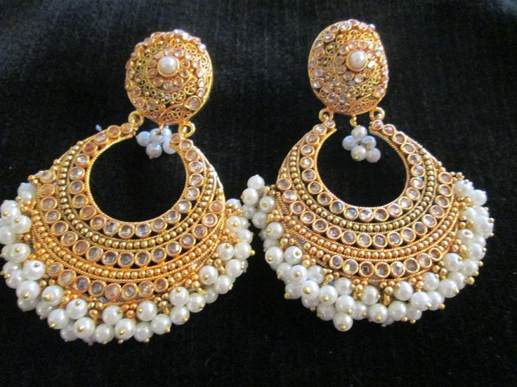 OH my GOD, I LOVE these!!! Gold plated pearls and kundan earrings!