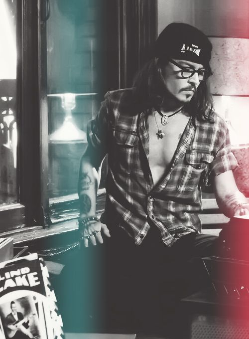 Johnny Depp, he can stop being sexy now....really your killing me lol