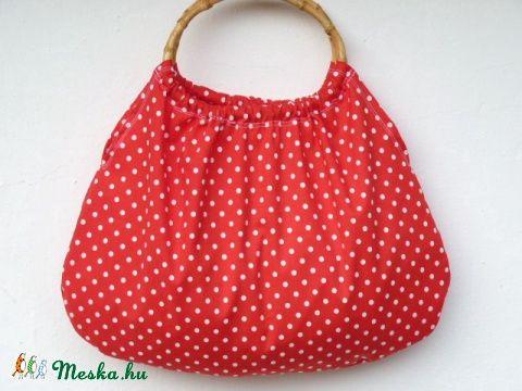 Meska - Piros-Pöttyös retró táska  pannika kézművestől