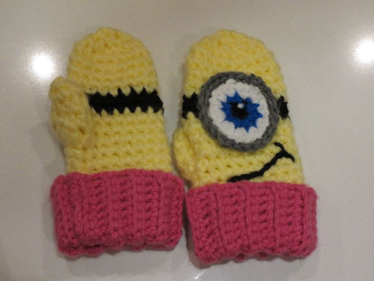 Free Crochet Pattern Minion Mitts : 1000+ images about gants, chauffe-mains et mitaines ...