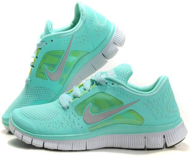 Womens Nike Free Run + 3 Mint Green Shoes. Love the color so bad