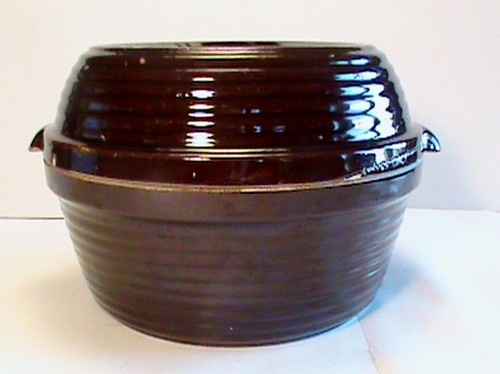 "Vintage 9"" Brown Stoneware Pottery Bean Pot Casserole Mixing Bowl Dish w Lid USA"