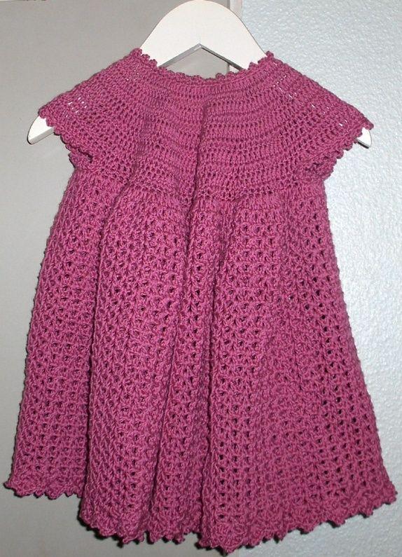 Ny heklet kjole ca 6-12 mnd