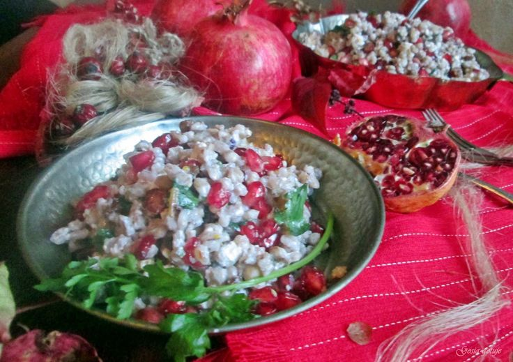 Gosia gotuje: Sałatka z pęczaku z fetą i granatem