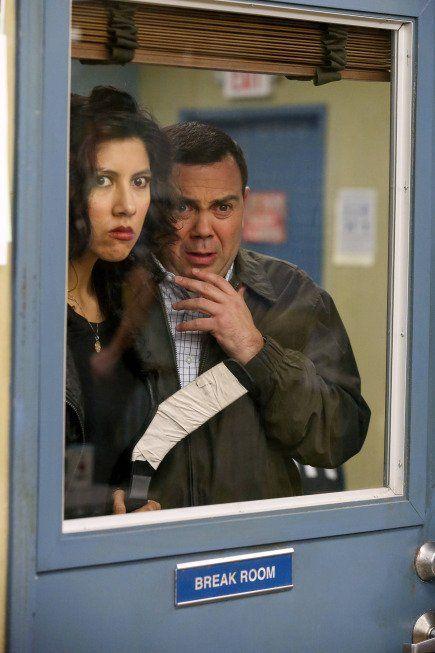 Boyle helps Diaz come up with a non-violent act of retribution ~ Season 1, Episode 18: The Apartment ~ Episode Pics #amusementphile
