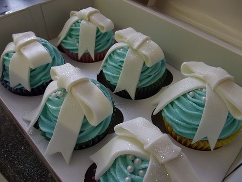 Since I probably won't ever have anything from Tiffany's, I can at least make cupcakes.