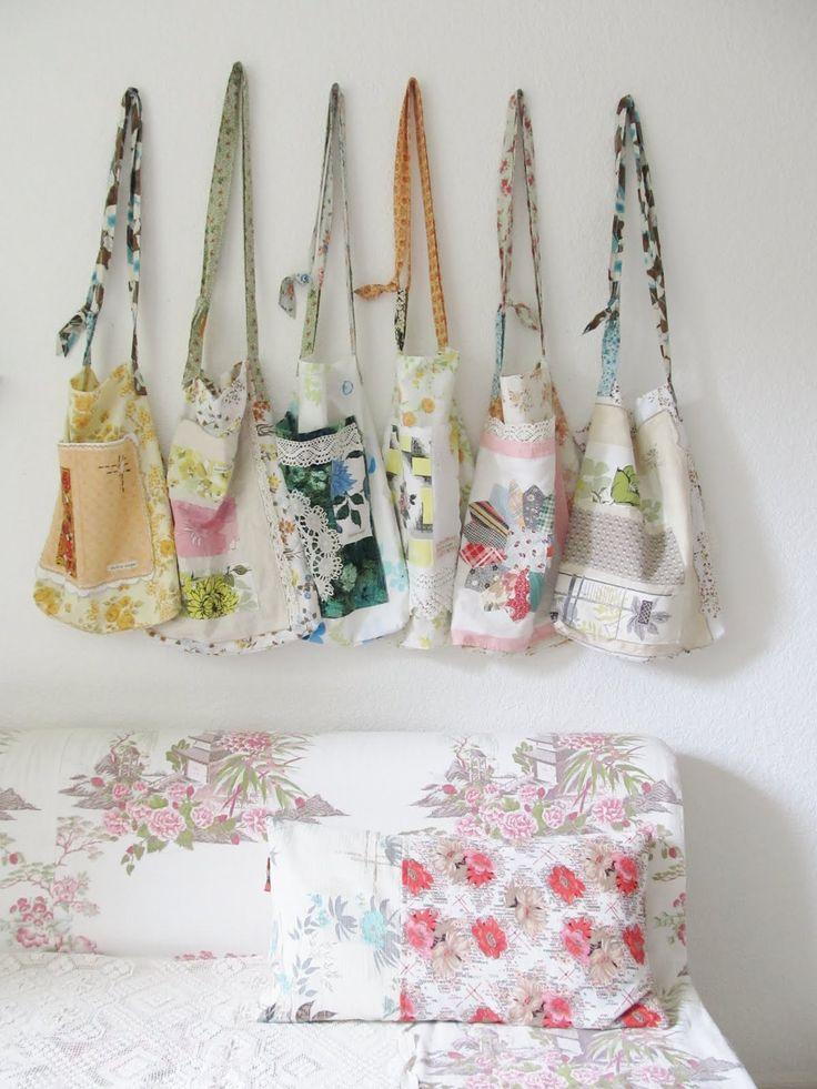 lovely bags from vintage fabrics: Random Things, Design Handbags, Burberry Handbags, Dotty Angel, Prada Handbags, Books Bags, Fabrics Bags, Gucci Handbags, Patchwork Bags