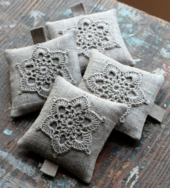These unique lavender sachets are sewn from linen with a crocheted motif. Sachets contain high quality lavender imported from France (approx. 23 g / 0.8