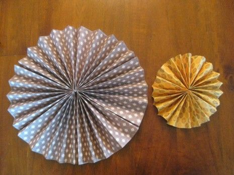 how to make fan wheels using scrapbook paper and staples