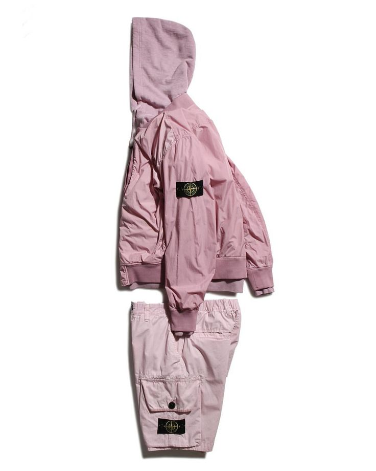 Stone Island Garment Dyed Crinkle Reps Jacket + Bermuda Shorts, available now - link in bio #stoneisland #pinkpanther #bdgastore