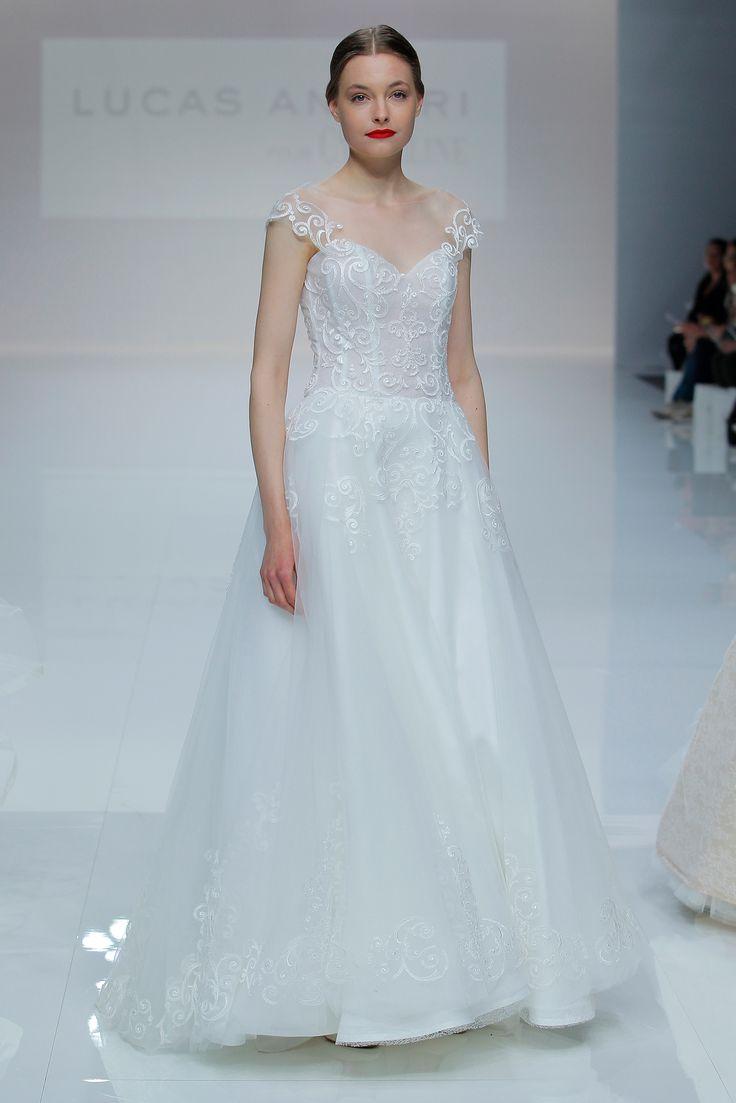 Mejores 21 imágenes de Vestidos de novia con escote alto en Pinterest