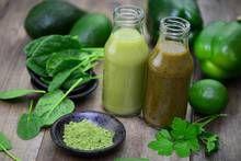 Gemüsesaft aus Blattsalaten hilft gegen Zahnfleischentzündung
