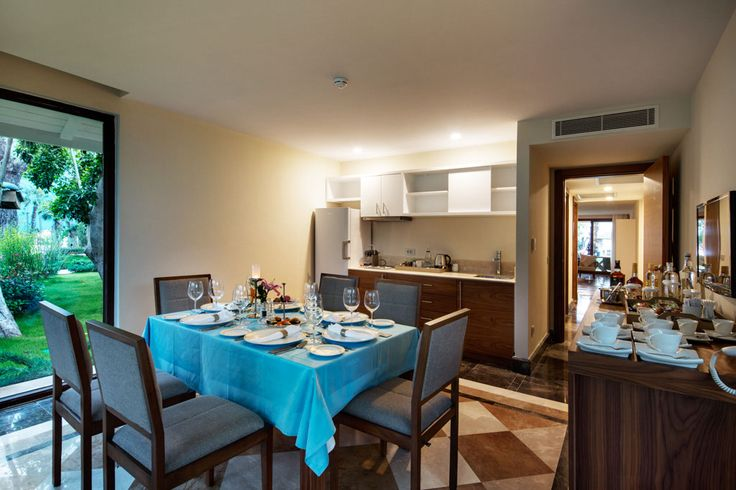 Nirvana Royal Dublex Beachfront #Diningroom