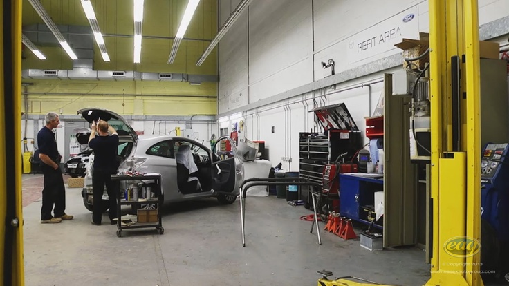 Our service bays are equipped with the latest manufacturer approved equipment so you can be sure your car is well maintained.