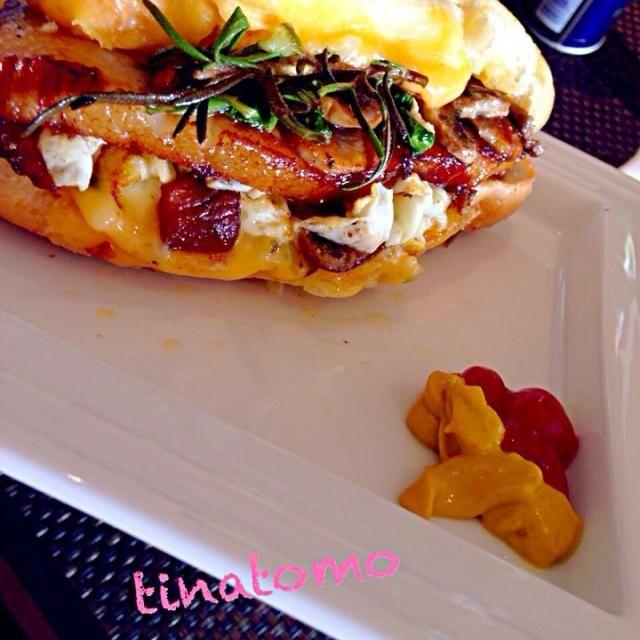 シンプルですが、美味しいですよ^ ^ - 125件のもぐもぐ - チーズベーコンエッグバーガー! by Tina Tomoko