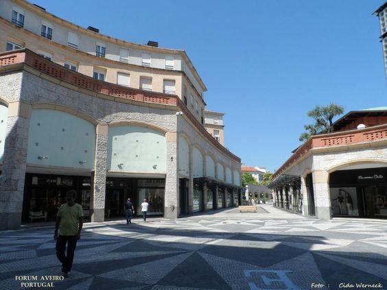 O Forum Aveiro. Aveiro,Portugal. Bonito centro comercial com lojas,cinemas, espaços de lazer internos e ao ar livre, restaurantes.Foto: Cida Werneck