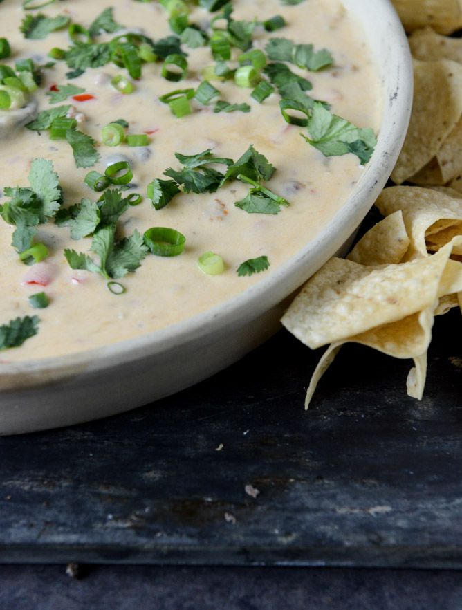 Spicy Beer Queso with Chorizo and Black Beans I howsweeteats.com