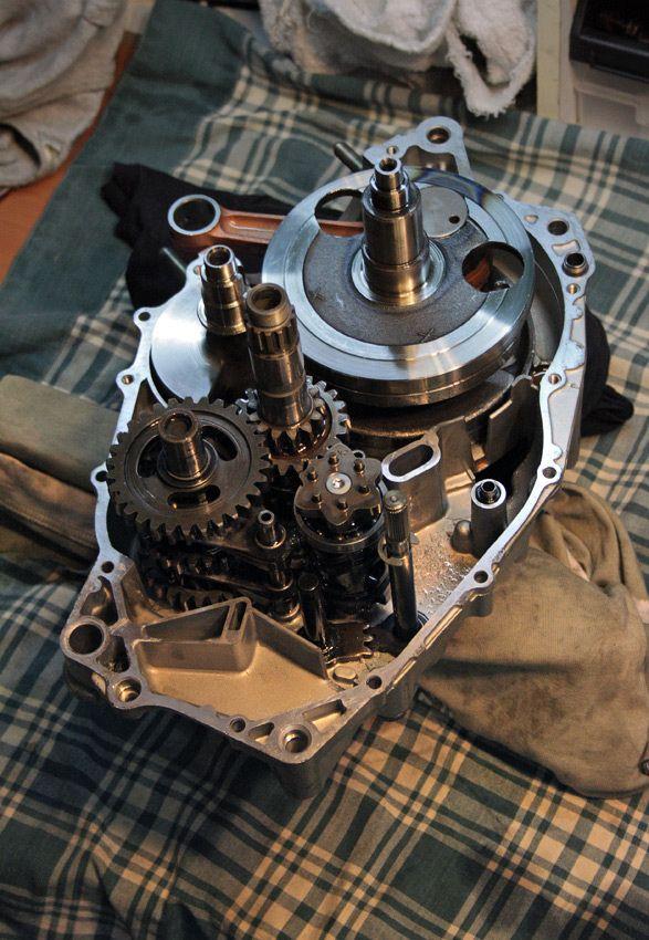 engine assembling.Yamaha SRX600 Reborn. Part3.Gazzz-garage