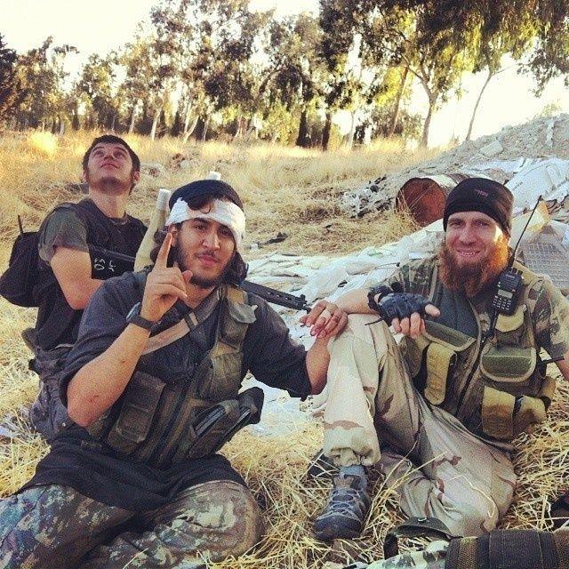 Selfie-uri din Jihad: Extremiștilor britanici din Siria le plac la nebunie rețelele sociale | VICE Romania