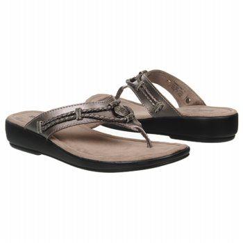 Minnetonka Moccasin  Women's SILVERTHORNE at Famous Footwear