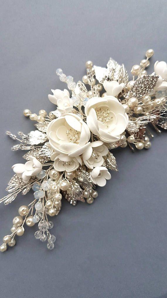 Este peine de cabello hermoso de novia hecho a mano hecho con elementos de crist…