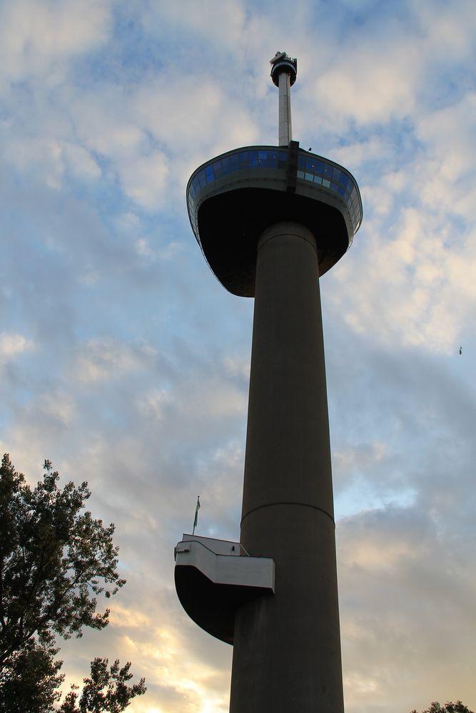 Wieża Euromast w Rotterdamie